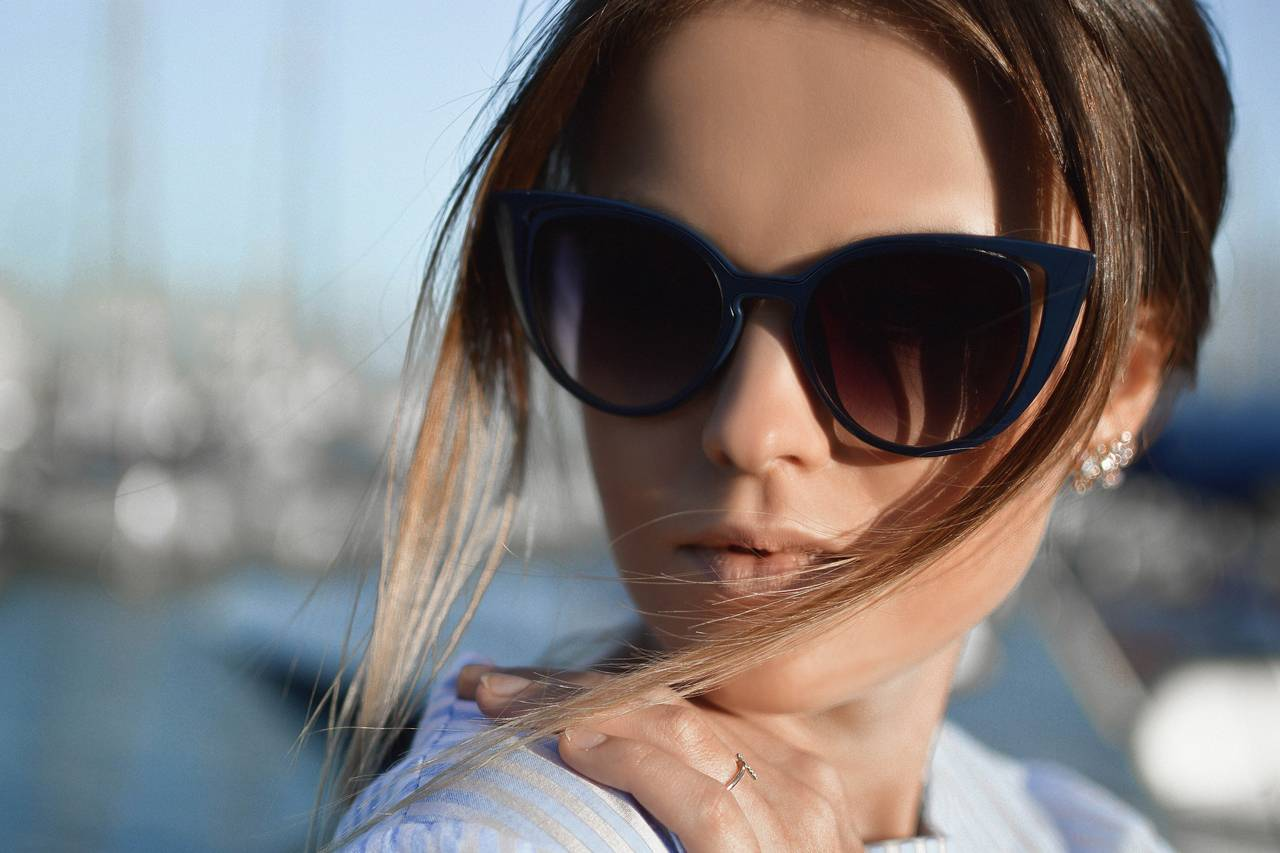 Woman-Blue-Sunglasses-1280x853